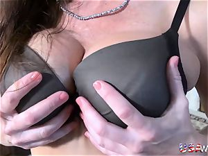 USAwives Mature female oral job and fucktoy getting off