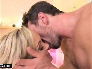 spraying Brandi love enjoys having a meatpipe in her vag