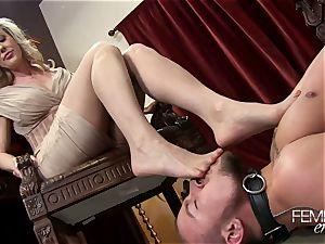 nasty massive bosses Headmistress Brandi enjoy predominates her employee in the office