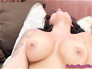 gorgeous lesbians lick pussy and fingerfuck