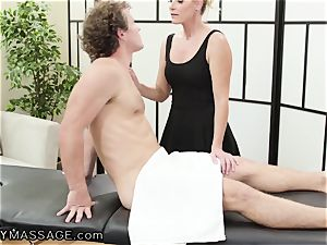 milf India Summer fumbles Her nubile punch