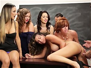 Veronica Avluv flashes steamy girls how to drizzle