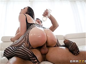 lubricating up the poon of Chanel Preston and stretching her out