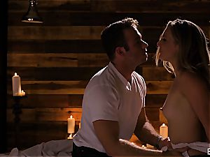 Mona Wales has a romantic love session with her sumptuous man