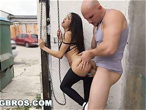 BANGBROS - Veronica Rodriguez Gets romped in Public
