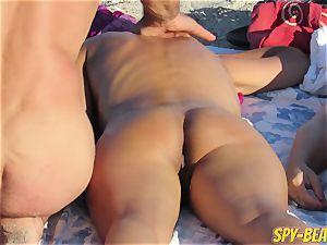 voyeur Beach inexperienced naked cougars honeypot And rump Close Up