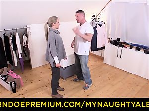 MY kinky ALBUM Model ends up ravaging cameraman