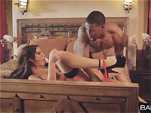 multiracial cunt hammering with August Ames