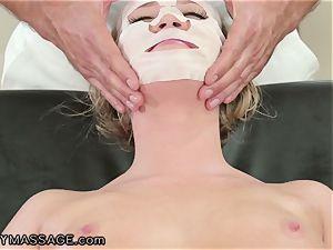 FantasyMassage Bailey Brooke On Top of massagists dick!