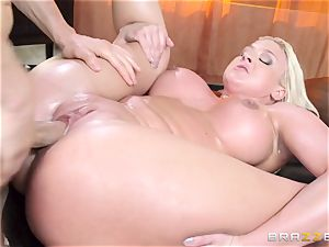 Leya Falcon cheats with her ginormous dicked massagist