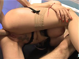 LA COCHONNE - French honey gets double penetration in super-steamy MMF threesome