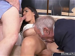 2 aged and blondie female tear up first-ever time Going South Of The Border