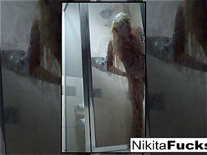 Nikita's uber-sexy home video